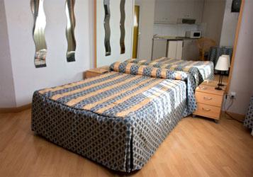 Apartamentos europa barcelona barcelona for Apartamentos europa