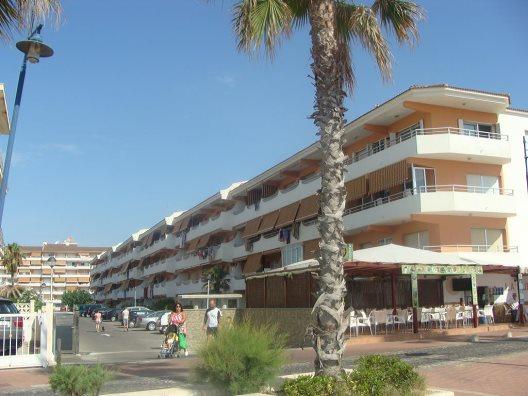 Apartamentos Voramar 3000