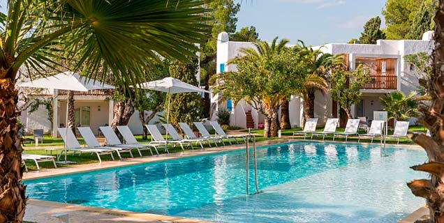 Aparthotel Cala Llenya Resort Ibiza