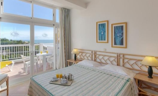 Aparthotel clube praia da oura albufeira algarve for Appart hotel 93
