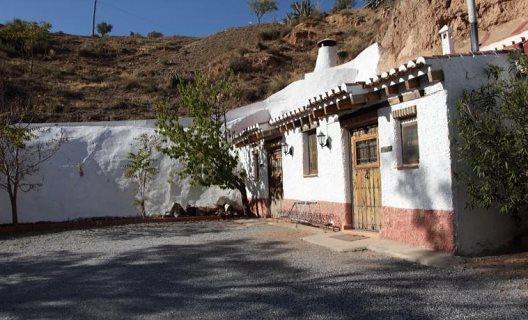 Casas Cuevas La Tala