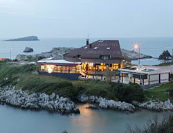 Hostal Aisia Islares Spa