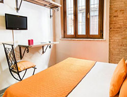 Hostal Equity Point Girona