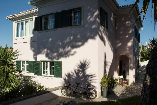 Hostal Estoril Beach House