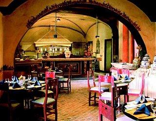 Minibar Kühlschrank Real : Hotel camino real puebla centro puebla puebla