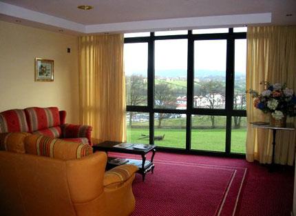 hotel longoria avenida: