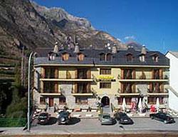 Hotel El Puente I