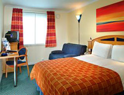 Hotel Express By Holiday Inn London - Luton Airport