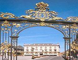 Hotel Grand De La Reine
