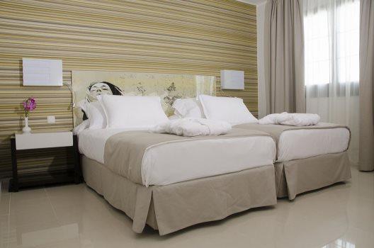 Hotel H10 White Suites