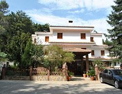 http://cdn.quierohotel.com/hotel-refugio-de-juanar-PD5113.jpg