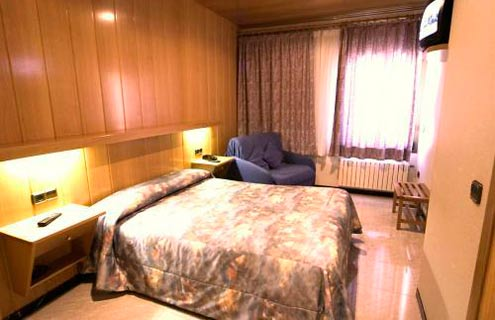 Hotel Sant Antoni - Ribes De Freser - Girona