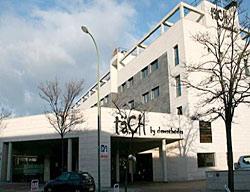 Hotel Tach Airport