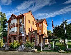 Hotel Tierra De La Reina