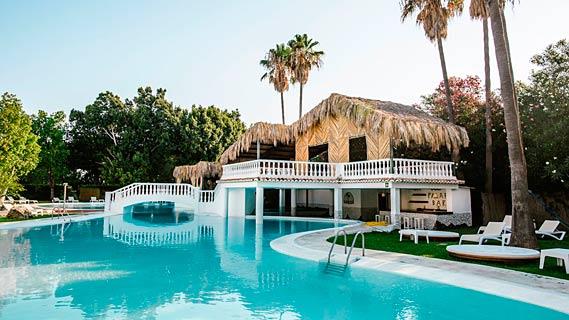 Hotel Tu & Me Resort