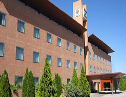 Hotel Deals Posadas De España Pinto + Entradas 2 Días a Warner Madrid