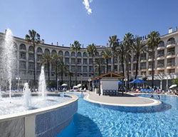Hotel Deals H. Best Cambrils + Scream Nights Park Tickets