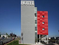 Ofertas Hotel Ramada By Wyndham Madrid Getafe + Entradas 2 Días a Warner Madrid